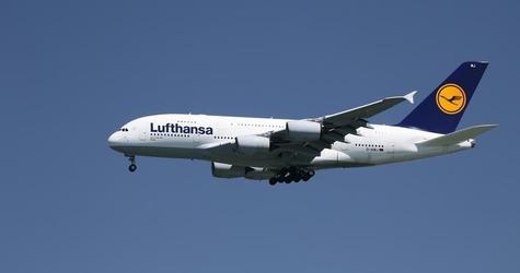 A Lufthansa Airbus A380-800, with Tail Number D-AIMJ, lands at San Francisco International Airport, San Francisco