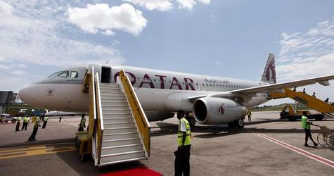 A Qatar Airways Airbus A320 arrives at Entebbe International Airport