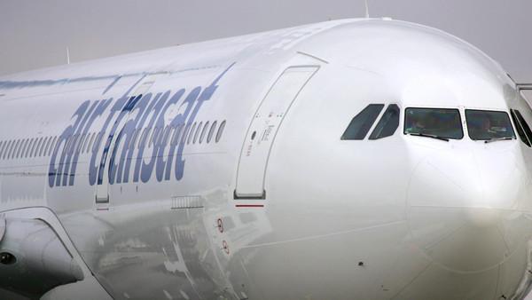 FRANCE-TRANSPORT-PLANE-AIRBUS-AIR TRANSAT