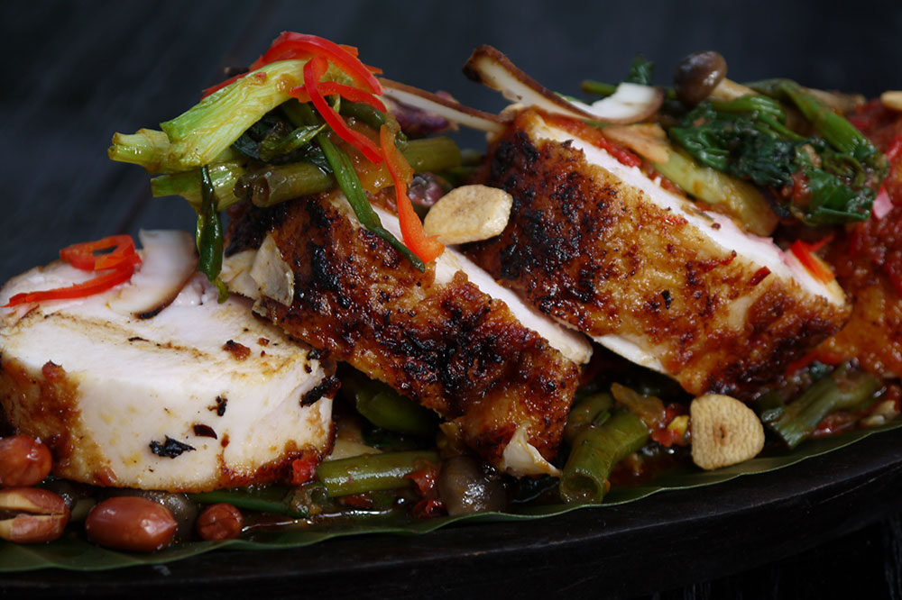 بالصور  افضل 10 مطاعم تقدم الوجبات الاندونيسية في جزيرة