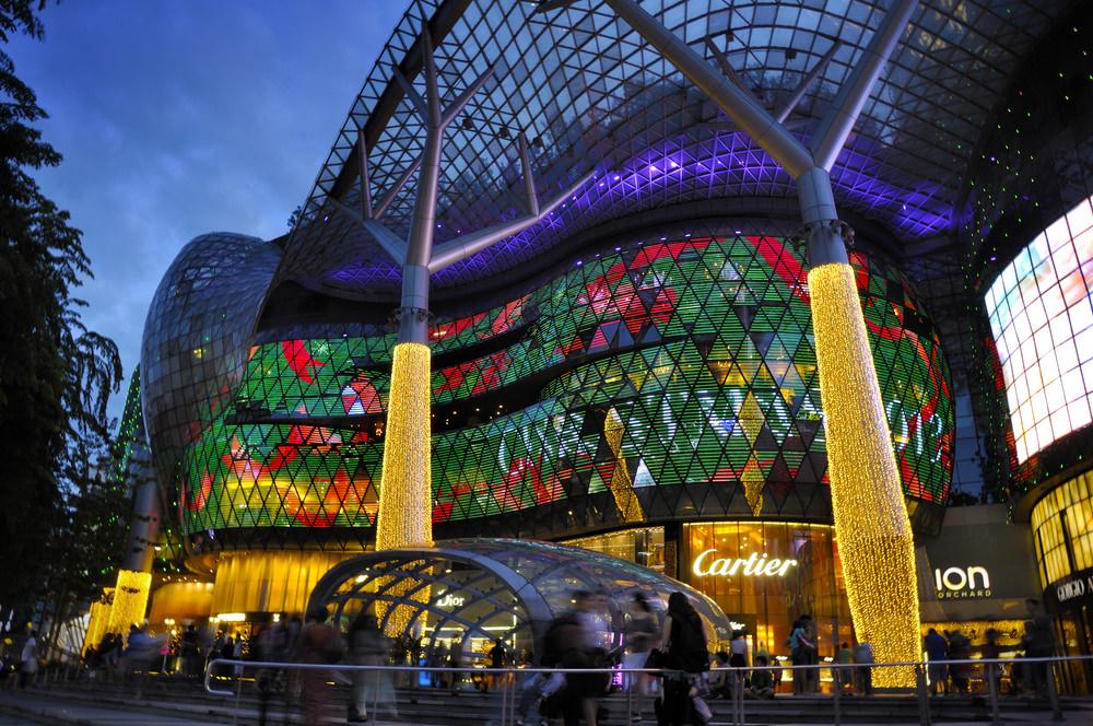 6b066dbe6fcd8 هي جنة للتسوق، مدينة آمنة ونظيفة ومتنوعة ثقافيا ومريحة جدا، لكن الفنادق  فيها هي الأكثر تكلفة في المنطقة.