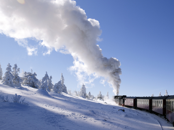 Harz narrow gauge railway in a winter landscape on Mt Brocken, Harz mountain range, Saxony-Anhalt, Germany, Europe