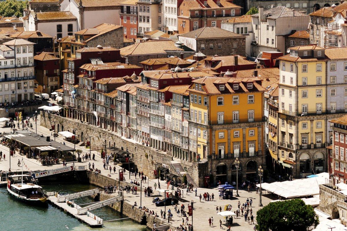 الصور … سبب اقبال الزوار إلى البرتغال بشكل لم يسبق