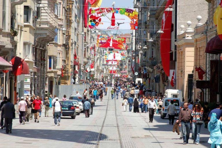 b32f40423 بالصور.. سوق عثمان بيه أقدم وأفضل أسواق إسطنبول – سفاري نت