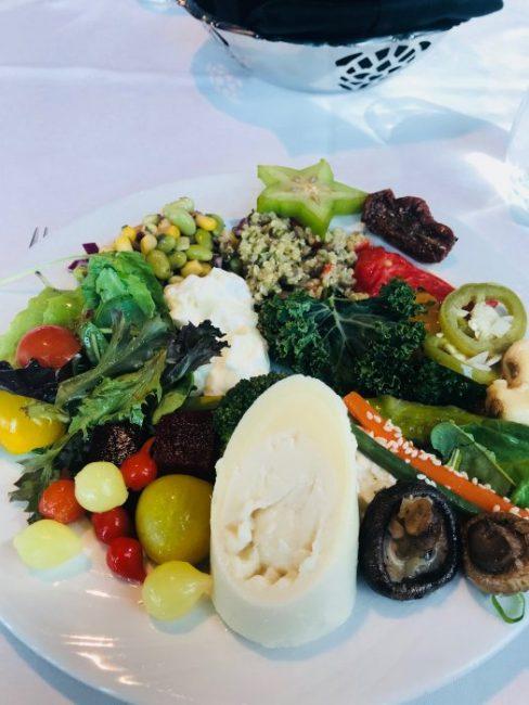 تذوق أطباق المطبخ البرازيلي في مطعم فوغو دي تشاو في دبي ...
